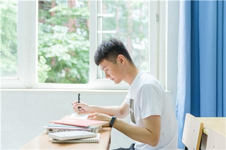 广西大学本科生就业流向波动分析